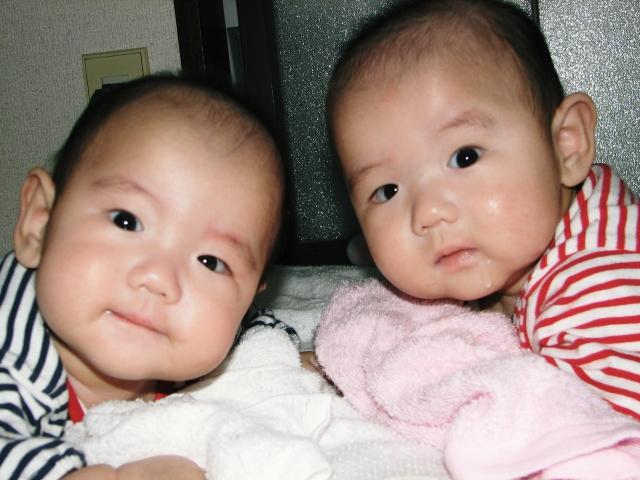 双子の場合は母乳だけじゃ足りない